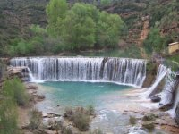 Presa de aguas turquesas