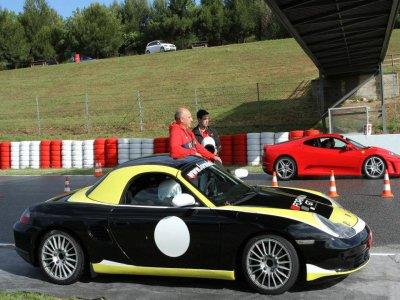 Conducir Porsche Boxster Cup circuito de Kotarr