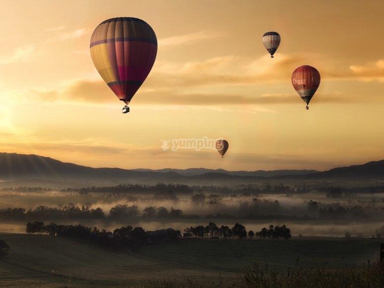 空气静力气球日出
