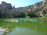 出租独木舟,Las Vencias水库。儿童