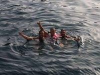 Banandose durante la boat party
