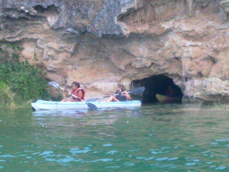 Esplora le lagune del kayak