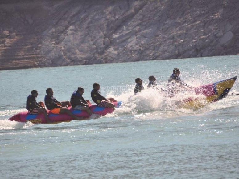 """Pack canoa + hidropedales + banana boat, embalse"""