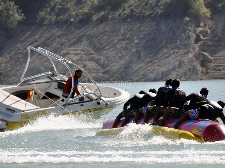 Speedboat dragging the Banana