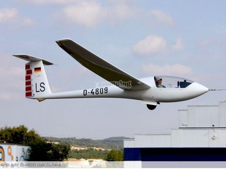 Volando en planeador por Ódena
