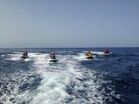 En ruta con cuatro motos nauticas