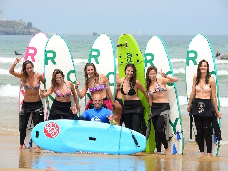 Alumnas de surf