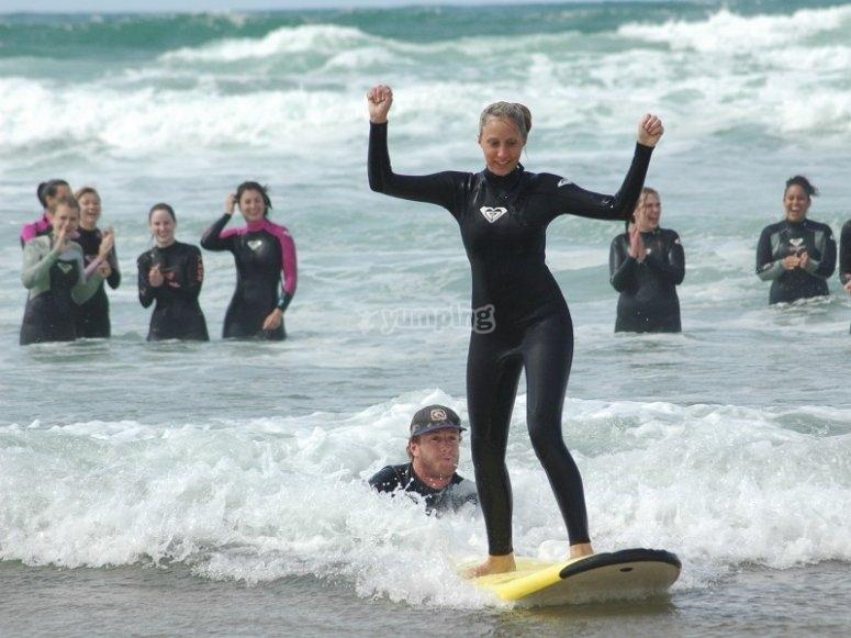 Logrando coger la ola
