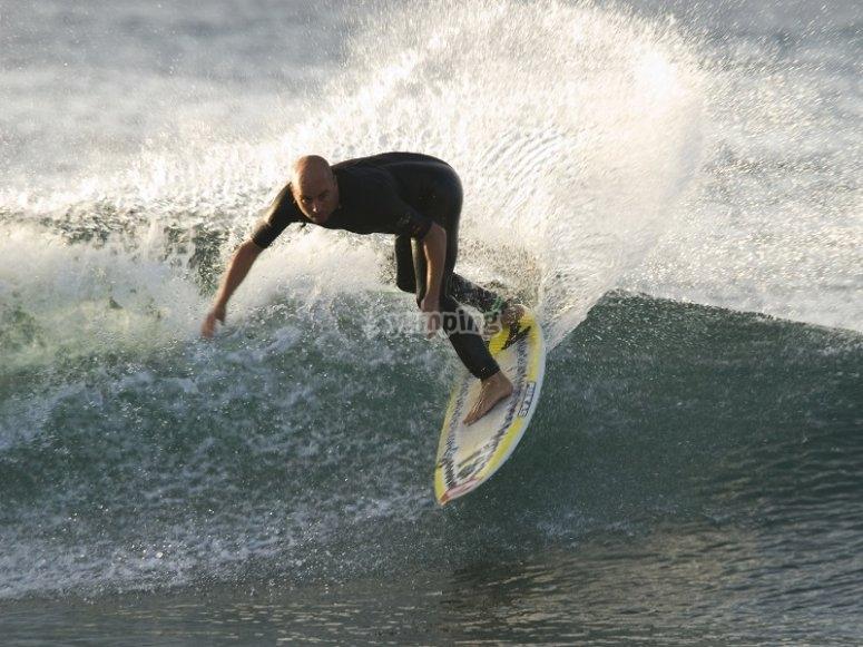 Tomando una buena ola
