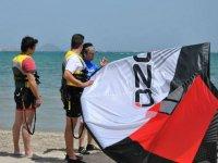 Preparing the kite
