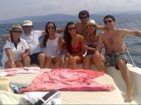 Con la familia y amigos en el barco