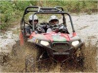 Guidare un passeggino sul fango