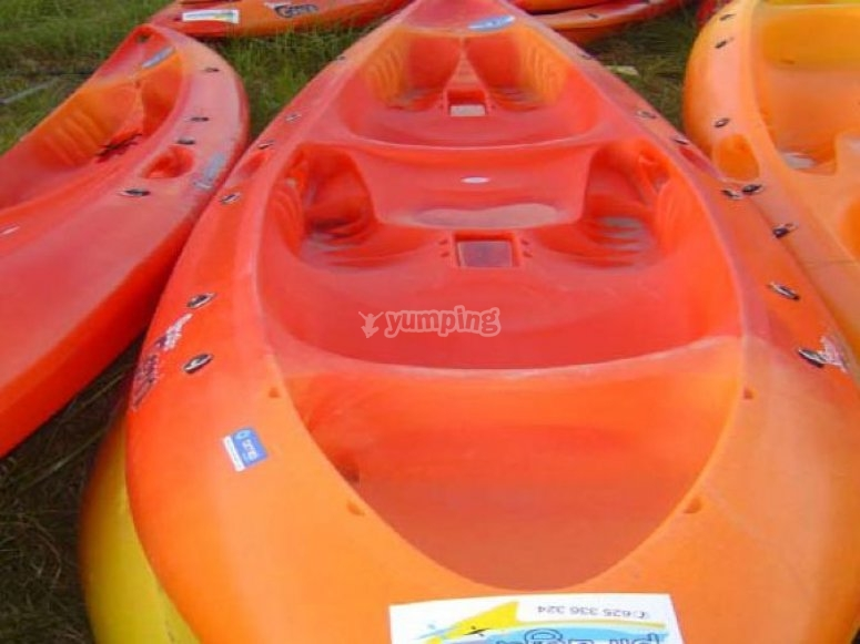 Descenso en kayak en el río Umia