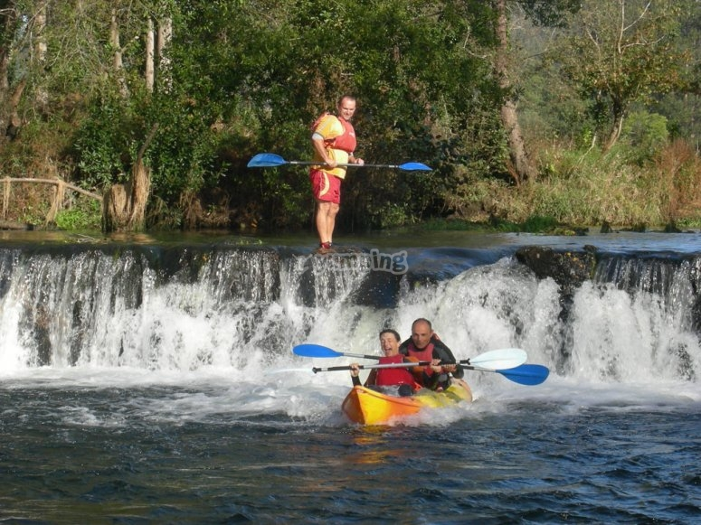 Descend the Umia river in a kayak