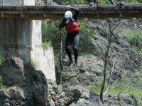 Lanzandose al rio