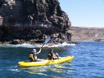 Kayaking + Snorkeling in Tarajalejo Bay - 2h 30min