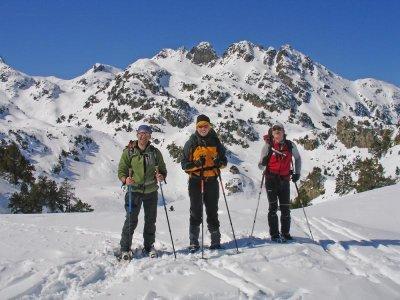 Companhia de Guies de Montanha Raquetas de Nieve