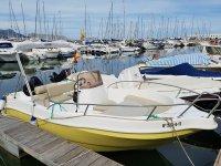 Embarcacion para alquiler en puerto