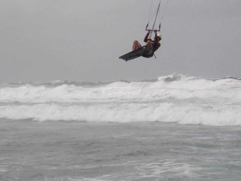 Disfruta del kitesurf en Gran Canaria