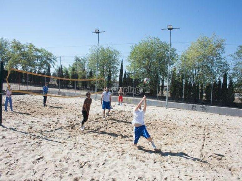 Jugando al voleibol