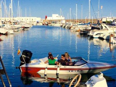 Funboat Paseos en Barco