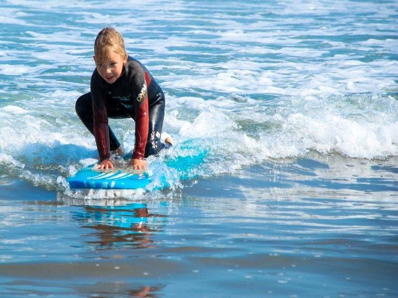 Primeros pasos en las olas