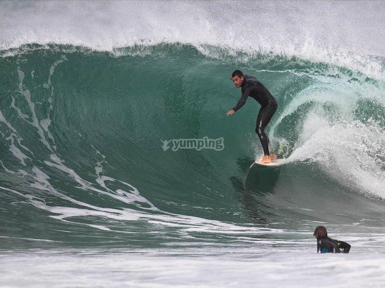 Dominando la ola