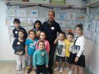 Con nuestros pequeños artistas