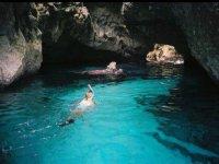 Entrando en una gruta