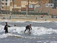 Alumno infantil de surf