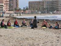 Explicaciones de surf en la arena