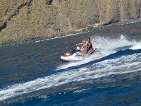 En moto de agua en pareja