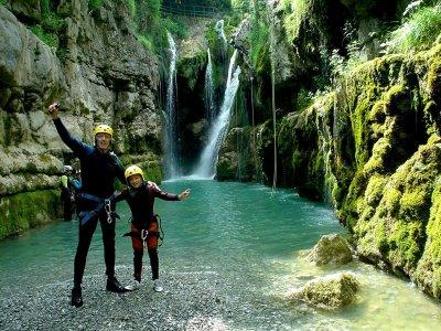 Descenso barrancos en el Pirineo de Huesca nivel I