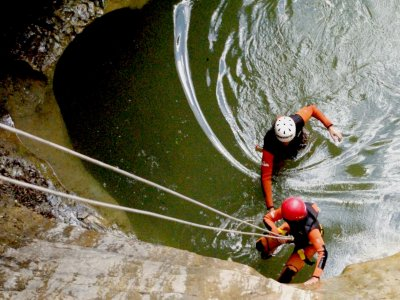 Descenso del Cañón del río Blanco, nivel fácil, 4h