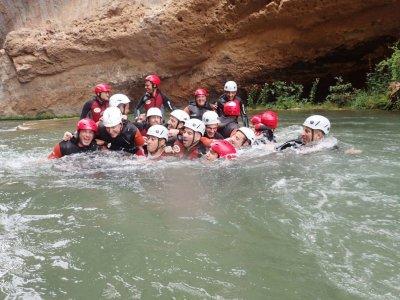 漂流+峡谷+ 2晚住宿。在Buendía
