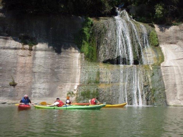皮划艇瀑布
