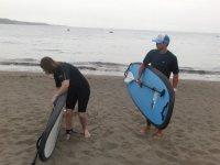 Con el material de paddle surf