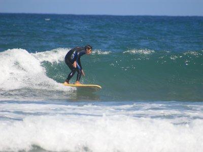 Curso de surf de un fin de semana, playa de Bakio