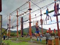 Parque de cuerdas y tirolina en Lozoya