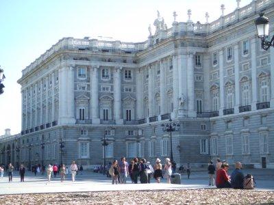 Conoce los alredores del Palacio Real