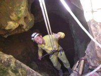 Bajando hasta la cueva