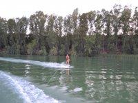 Wake in the Cadiz reservoir