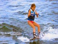 aprendiendo a hacer wakeboard