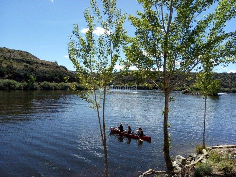 穿越摩罗斯河峡谷的独木舟路线
