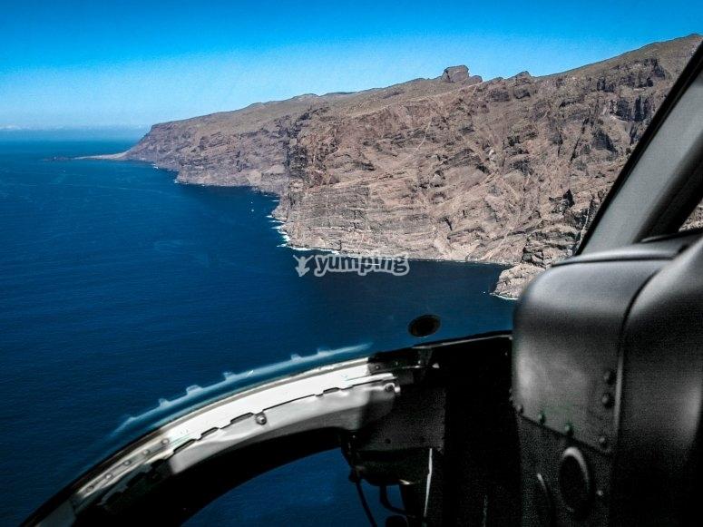 Costa canaria desde el helicóptero