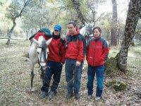Junto al caballo