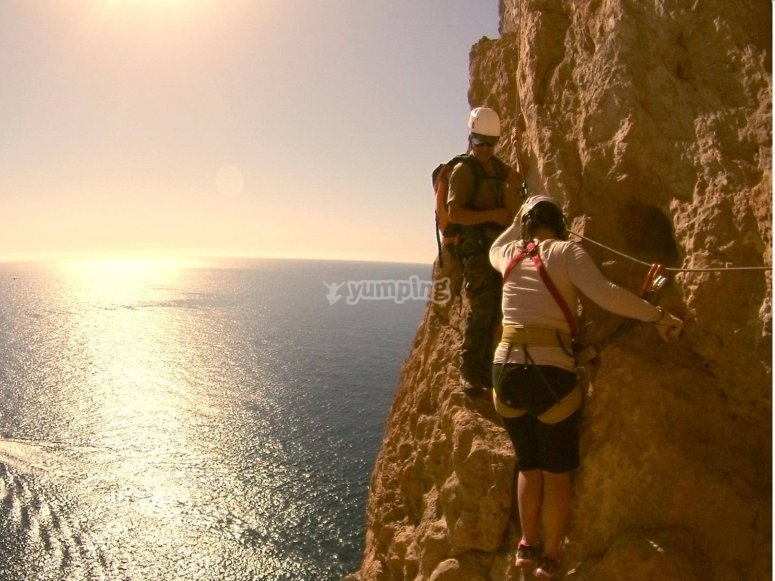 Escalando frente al mar