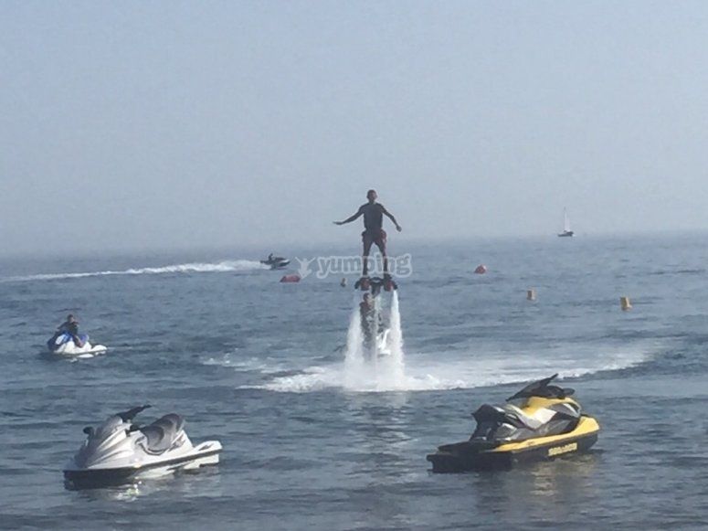Flotando en flyboard
