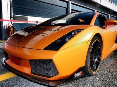 Pilota un Lamborghini en Jarama 2 vueltas