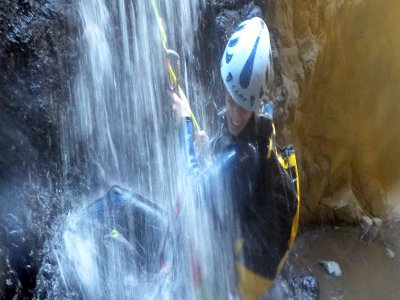 Canyoning route in Barranco de la Manta 3 hours